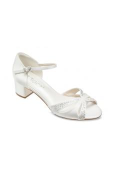 Gigi, pantofi de nuntă