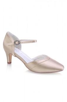 Mona, pantofi de nuntă
